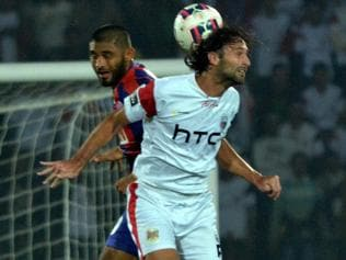 Delhi Dynamos beat NorthEast United 2-1, confirm semis berth