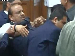 BJP MLA Vijender Gupta marshalled out of Delhi Assembly amid uproar