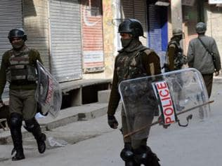 J-K: Jawan injured after unidentified persons fire at CRPF post