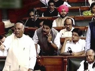 Congress protests in Lok Sabha, demands apology from VK Singh