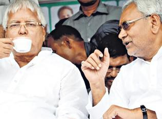 Lalu 'takes over' as home minister, advises CM how to control crime
