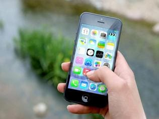 Phones are the favourite travel companions in India: Study