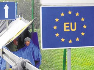 Stretching the Schengen: Migrant crisis leaves EU ideals fragile