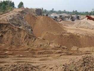 NGT-appointed team finds proofs of illegal sand mining in MP