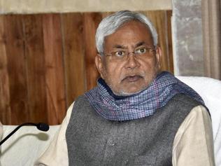 Nitish Kumar pulls up mayor for 'unclean' Patna