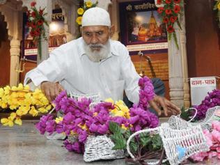 UPtemple to honour Muslim devotee on Mahashivratri