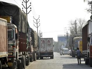 Trucks in MP to carry slogans for girl child