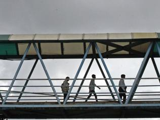 Why has MMRDA pulled out of 'landmark' skywalk project?