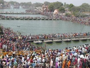2,000 swimmers and 60 motorboats to guard devotees at Simhastha