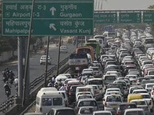 Around Delhi-NCR in 80 days: Twitter erupts over diesel ban protests