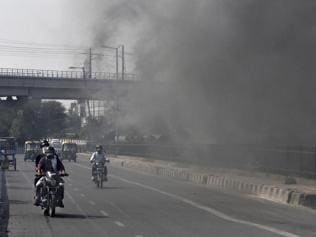 Delhi's trouble with worsening air pollution begins ahead of Diwali itself