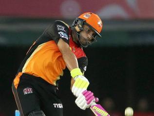 Yuvraj, bowlers rally Sunrisers Hyderabad to win over KKR