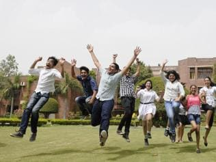 Boys outshine girls in Bihar matric results