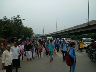 Commuters stranded in Gurgaon as auto drivers go on flash strike