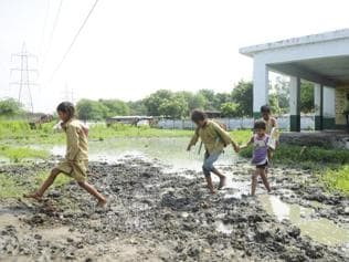 Lucknow students tread on tough road to education