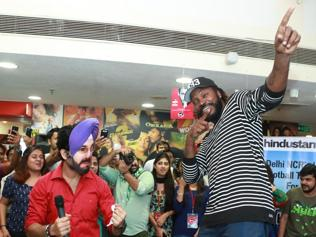 Don't be fooled into thinking the Indian players can't party: Chris Gayle