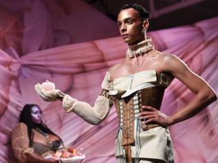 Muscular is out! Male fashion models are choosing to be thin, even androgynous
