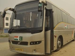 Delhi-Lahore bus service on: 'Media on both sides wants war'