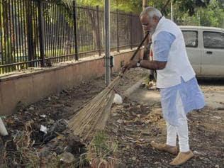 Still dirty, Delhi has just three years to clean up, meet Swachh deadline