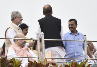 Kejriwal and Jung meet officially after four months