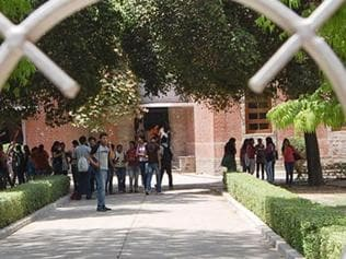 Niche job offers go to elite colleges at Delhi University