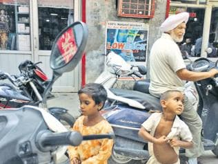 Pathankot reels under beggar menace, authorities fail to act