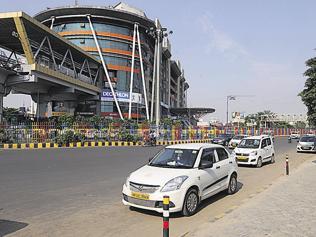 Auto drivers disrupt cab aggregator services in Gurgaon
