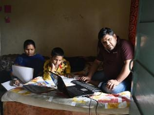 Bright side of their world: The life of a visually challenged couple