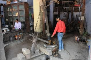 Ranchi: The last traditional oil mill standing in the Mahatma's memory