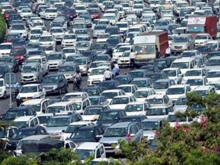 Car dealers told not to stock cars with old emission norms