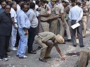 1 killed, 4 injured in explosion at Old Delhi's congested Naya Bazar
