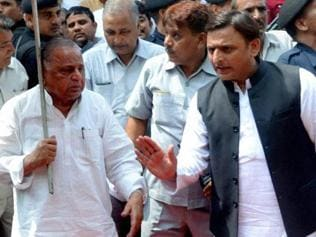 Yadav family feud: Akhilesh digs his heels in even as Mulayam draws the line