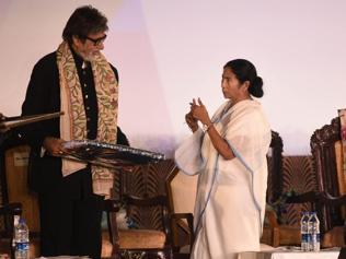Curtains up at KIFF 2016: 'Women's rights champ Big B' mesmerises audience