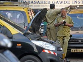 Demonetisation hits Mumbai's auto and taxi trade