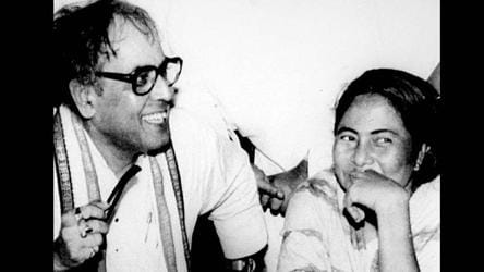 """Pranab Mukherjee with then state Youth- ongress chief Mamata Banerjee after his victory in the biennial poll to Rajya Sabha from West Bengal in 1993. The former President has described Banerjee as a """"born rebel""""."""