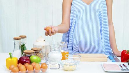 Here's how consuming eggs during pregnancy helps cut risk of food