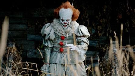 Bill Skarsgard Says Pennywise The Clown Visited Him In Dreams Was A Process Of Letting The Monster Go Hollywood Hindustan Times