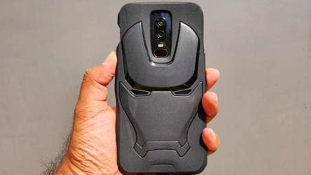 pretty nice 155e3 c05ae OnePlus 6 Avengers Limited Edition vs OnePlus 6: New design ...
