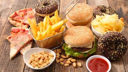 Weight Loss Tip Eating Junk Food In The Night Robs You Of Sleep