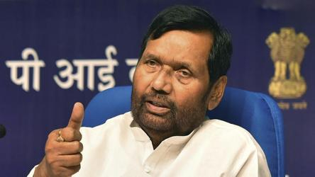 Upper Castes Should Be Given 15 Reservation Union Minister Ram Vilas Paswan India News Hindustan Times