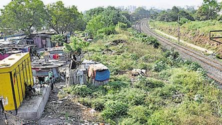 Duronto Express robbery: Encroachments along tracks behind