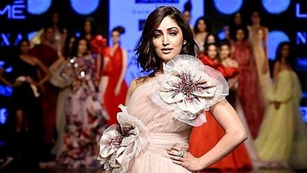 Trend Alert How You Can Add Some Much Needed Florals To Your 2019 Wardrobe Fashion And Trends Hindustan Times