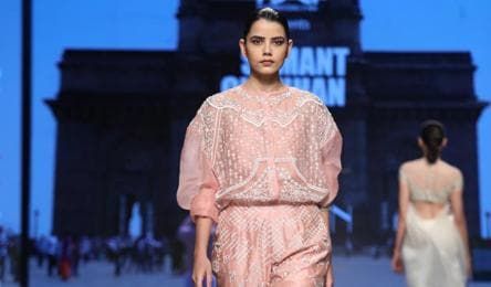 Fashion Week Is Back With A Bang Fashion And Trends Hindustan Times