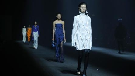 Longtime Kenzo Designers Stage Final Show At Paris Fashion Week Fashion And Trends Hindustan Times
