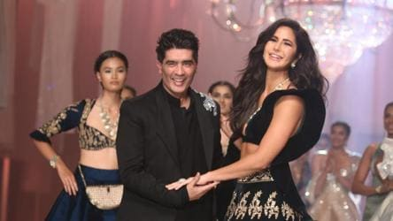 Katrina Kaif Stuns All As Manish Malhotra S Showstopper At Lakme Fashion Week Check Out Pics Bollywood Hindustan Times