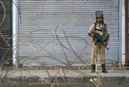 Produce orders on detention of leaders, curbs in Kashmir: SC tells govt