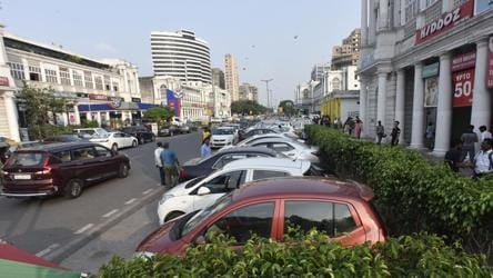 Big hikes likely in Delhi's new parking plan, Rs 1,000 for 10 hrs workday