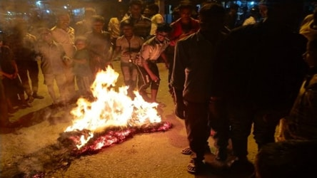 Nepal protesters burn Xi's effigy in protest against Chinese encroachment