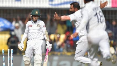 How Shami trapped Mushfiqur with a classic show of seam bowling - Watch