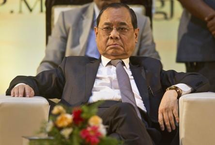 4-minute hearing, 10 notices and note on silence on CJI's last day at work